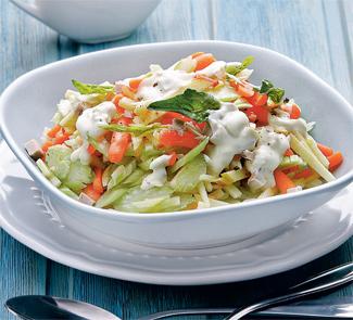 Рецепт Салат из сельдерея с яблоками, морковкой и мясной заправкой