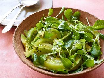 Рецепт Салат из зеленых помидоров и авокадо