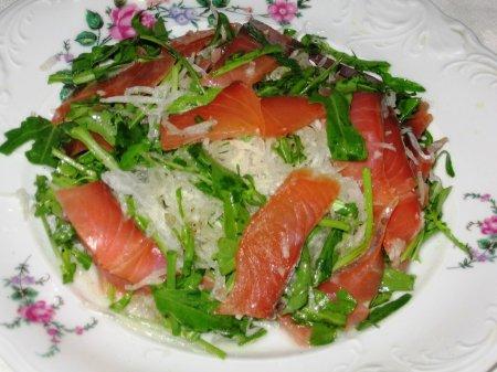 Рецепт Салат из семги и дайкона