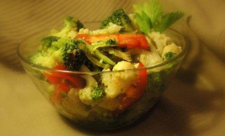 Рецепт Салат с брокколи и цветной капустой