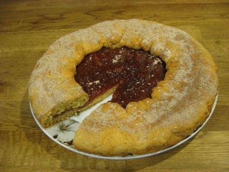 Рецепт Вкуснейший пирог на сметане с яблочным вареньем