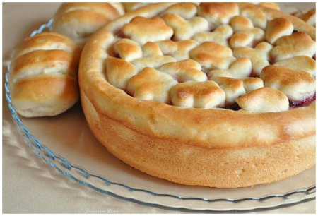 Рецепт Сдобный пирог с повидлом
