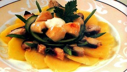Рецепт Салат из копченой скумбрии