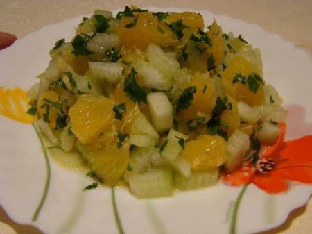 Рецепт Салат из апельсинов с сельдереем