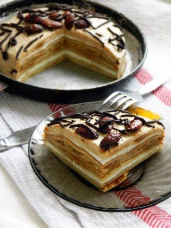 Рецепт Блинный торт с творожным кремом, вареной сгущенкой и бананами