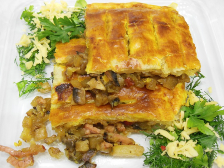Рецепт Слоёный пирог с балыком и ананасами