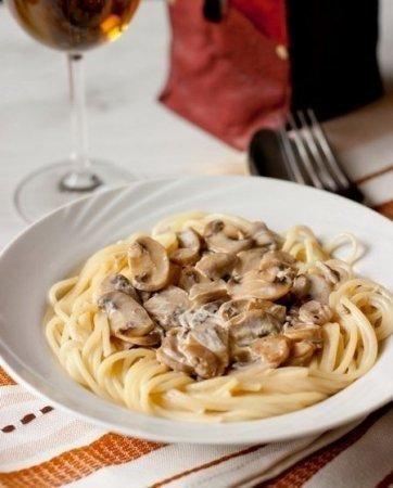 Рецепт Спагетти со сливочно-грибным соусом