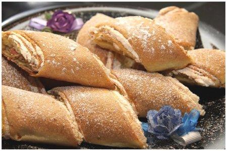 Рецепт Рулет-печенье с грецкими орехами и безе