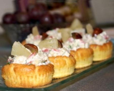 Рецепт Закусочные тарталетки с салатом из красной рыбы