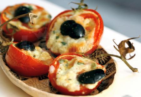 Рецепт Закуска из помидор, фаршированные сыром