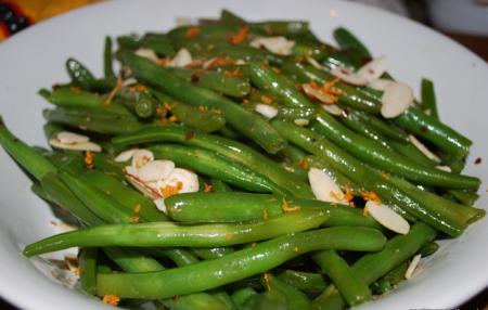 Рецепт Зеленая фасоль с чесноком, миндалем и апельсиновой цедрой