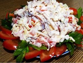 Рецепт Салат из кальмара с помидорами