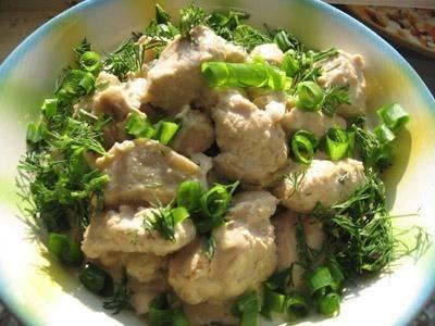 Рецепт Куриные грудки, потушенные с баклажанами в сырно-сметанном соусе