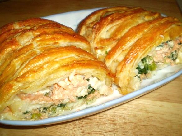 Рецепт слоеного пирога с рыбой