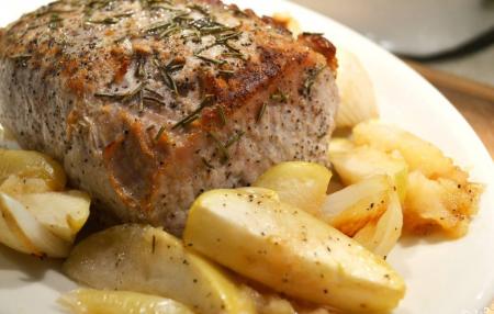 Рецепт Свинина с яблоками в духовке