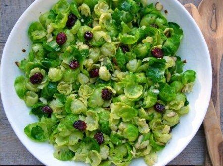Рецепт Салат с брюссельской капустой и заправкой из цитрусовых