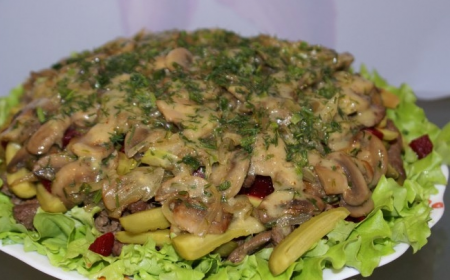 Рецепт Пряный салат с говядиной и грибами