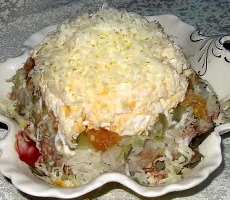 """Рецепт Праздничный салат из печени трески """"Египетская пирамида"""""""