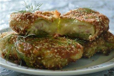 Рецепт Капустные конвертики с сыром и ветчиной