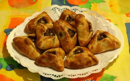 Рецепт Эчпочмак - пирожки треугольной формы, выпечка татарской национальной кухни