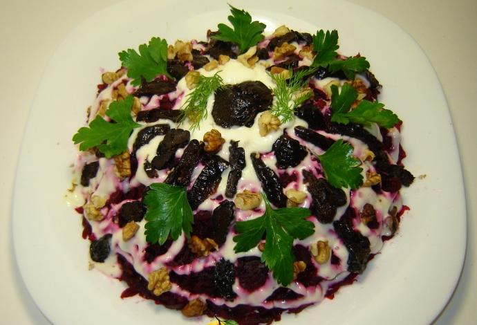 салат говядина с черносливом рецепт