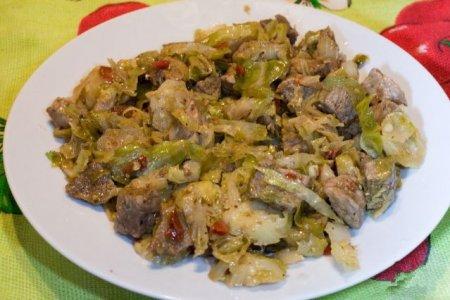 Рецепт Говядина, жареная с брюссельской капустой