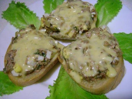 Рецепт Бутерброды с рыбными консервами в мультиварке