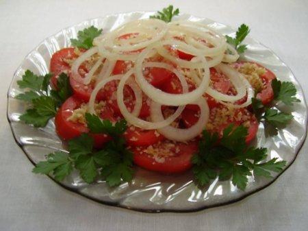 Рецепт Диетический салат из помидоров с орехами
