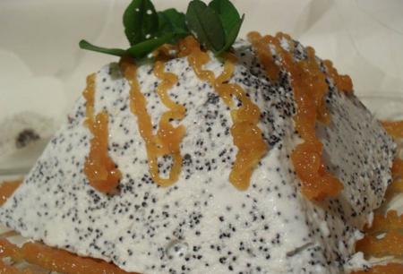 Рецепт Маковый мусс с абрикосовым соусом