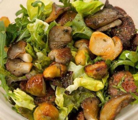 Рецепт Салат с печенью и грибами