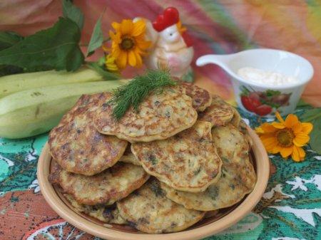 Рецепт Кабачковые оладьи с шампиньонами