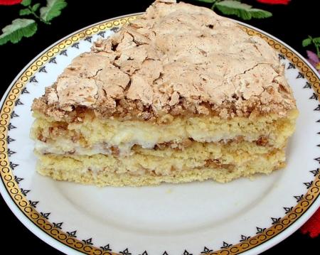 Рецепт Торт с грецкими орехами и ванильным пудингом