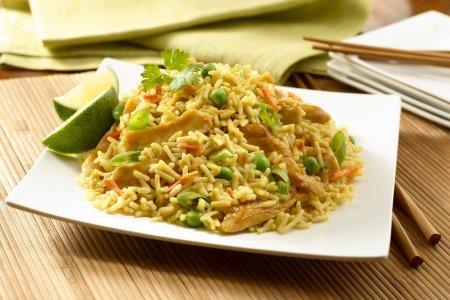 Рецепт Жаренный рис с овощами - азиатское блюдо