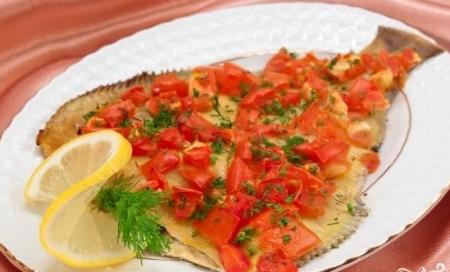 Рецепт Камбала, запеченная с помидорами
