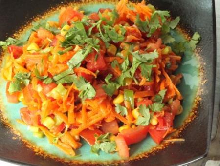 Рецепт Салат с морковью и кукурузой