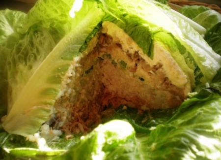 """Рецепт Салат из рыбы, листового салата """"Кочан капусты"""""""