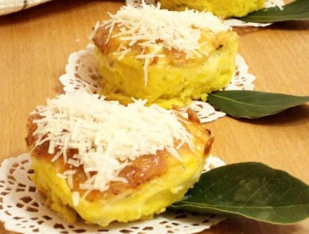 Рецепт Картофельные мини-запеканки с курицей, грибами и сыром