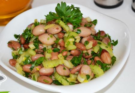 Рецепт Салат из фасоли с сельдереем