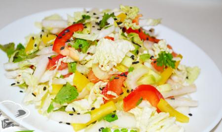 Рецепт Овощной салат из редьки,  сельдерея, помидор