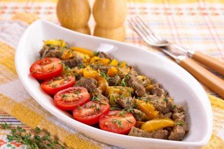 Рецепт Говядина, жаренная с болгарским перцем