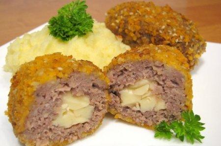 Рецепт Котлеты с сырной начинкой