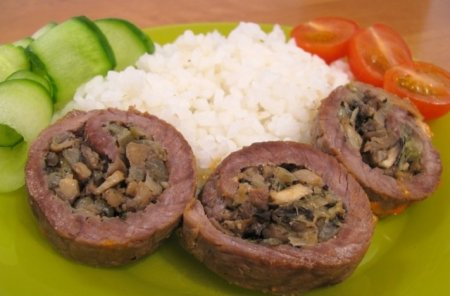 Рецепт Мясные рулетики с грибной начинкой