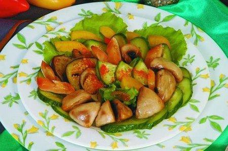 Рецепт Теплый салат из баклажанов и шампиньонов