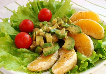 Рецепт Салат из авокадо с апельсинами и помидорами
