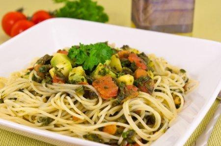 Рецепт Спагетти с кабачками и шпинатом