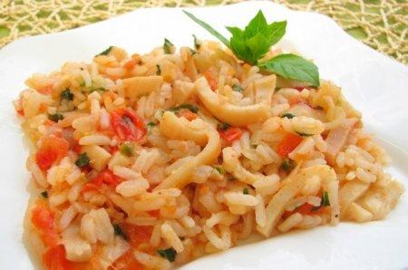 Рецепт Кальмары с рисом и помидорами