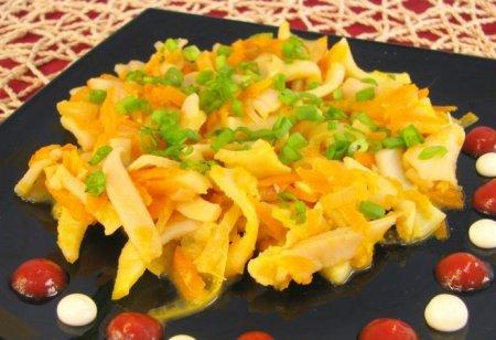 Рецепт Кальмары, тушенные с луком и морковью