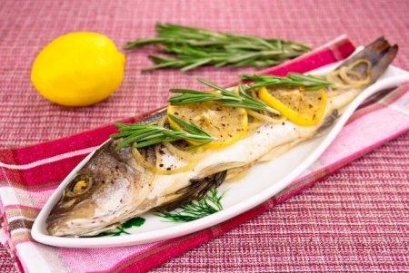 Рецепт Рыба с розмарином, запеченная в фольге