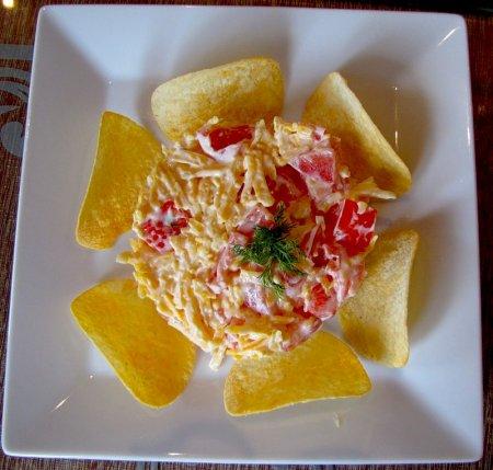 """Рецепт Салат с сыром """"Солнечная ромашка"""""""