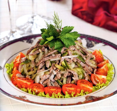 Рецепт Салат с отварной говядиной «Шемахинский»